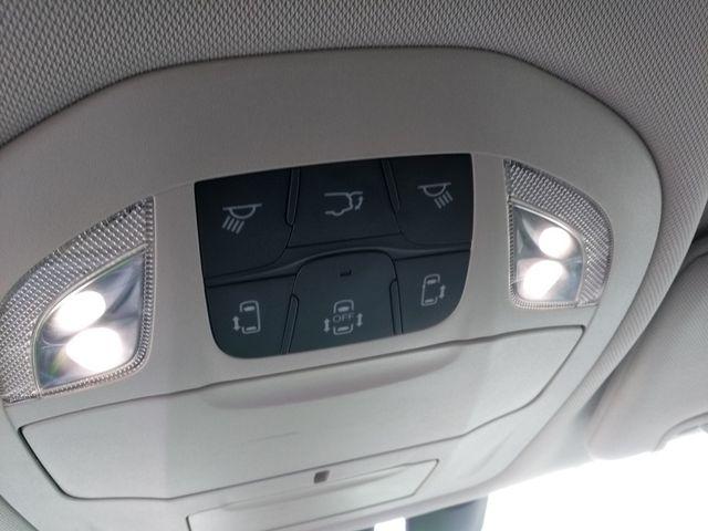 2018 Chrysler Pacifica Touring L Houston, Mississippi 12