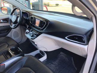 2018 Chrysler Pacifica Touring L LINDON, UT 23