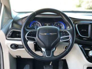 2018 Chrysler Pacifica Touring L LINDON, UT 32
