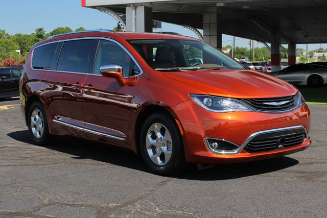 2018 Chrysler Pacifica Hybrid Limited FWD - ADVANCED SAFETY TEC PKG! Mooresville , NC 26