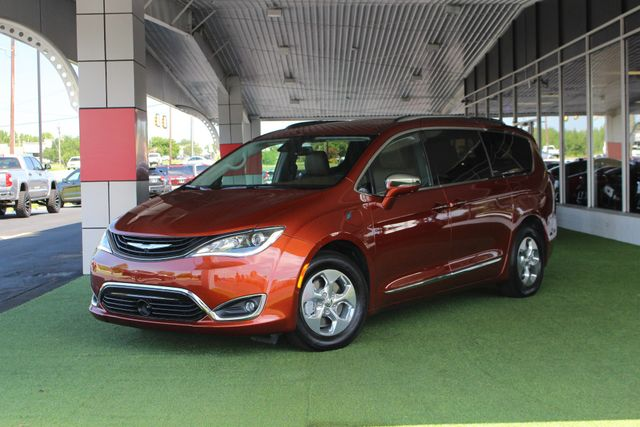 2018 Chrysler Pacifica Hybrid Limited FWD - ADVANCED SAFETY TEC PKG! Mooresville , NC 53