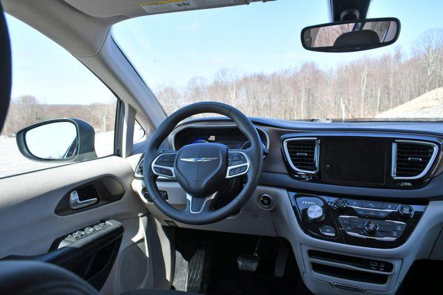 2018 Chrysler Pacifica Touring Naugatuck, Connecticut 17