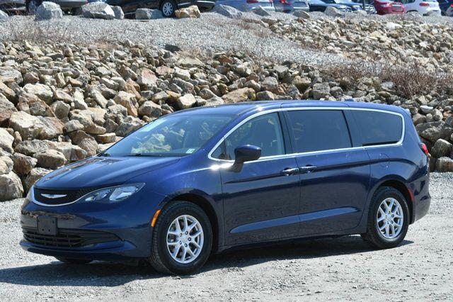 2018 Chrysler Pacifica Touring Naugatuck, Connecticut 2