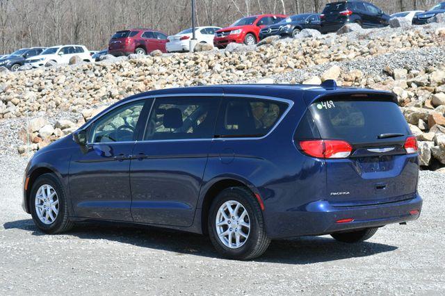 2018 Chrysler Pacifica Touring Naugatuck, Connecticut 4