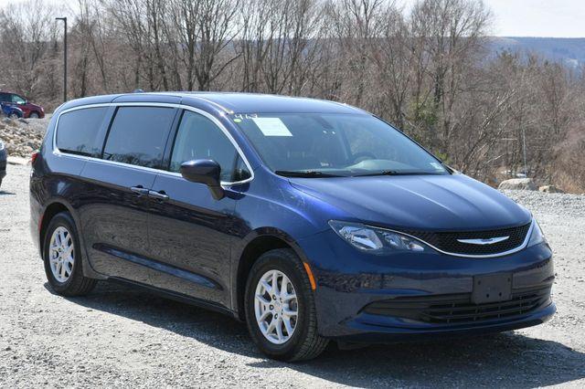 2018 Chrysler Pacifica Touring Naugatuck, Connecticut 8