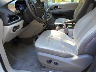 2018 Chrysler Pacifica Touring L Wheelchair Van Handicap Ramp Van Pinellas Park, Florida 7