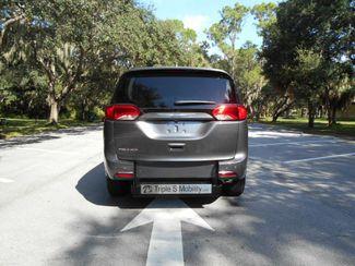 2018 Chrysler Pacifica Touring L Wheelchair Van Handicap Ramp Van Pinellas Park, Florida 4