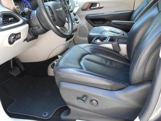 2018 Chrysler Pacifica Touring L Wheelchair Van Handicap Ramp Van Pinellas Park, Florida 6