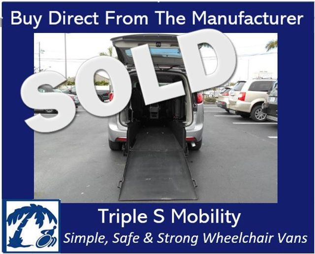 2018 Chrysler Pacifica Touring L Wheelchair Van Handicap Ramp Van Pinellas Park, Florida