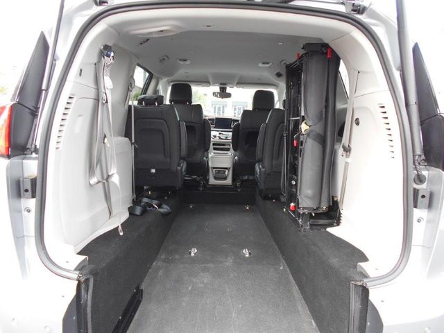 2018 Chrysler Pacifica Touring L Wheelchair Van Handicap Ramp Van Pinellas Park, Florida 6