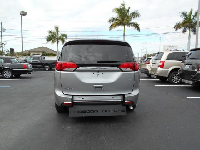 2018 Chrysler Pacifica Touring L Wheelchair Van Handicap Ramp Van Pinellas Park, Florida 5