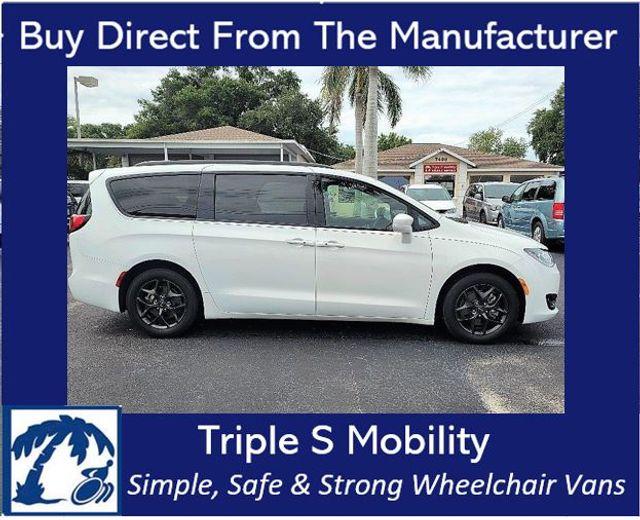 2018 Chrysler Pacifica Touring L Wheelchair Van Handicap Ramp Van
