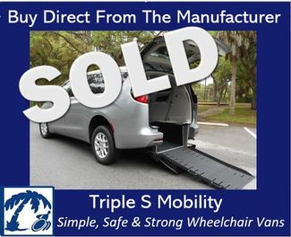 2018 Chrysler Pacifica Touring Wheelchair Van Handicap Ramp Van DEPOSIT Pinellas Park, Florida