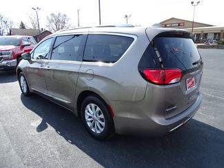2018 Chrysler Pacifica Touring L Valparaiso, Indiana 3