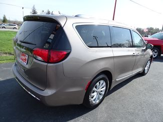 2018 Chrysler Pacifica Touring L Valparaiso, Indiana 5
