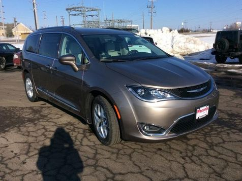 2018 Chrysler Pacifica Touring L Plus in Victoria, MN