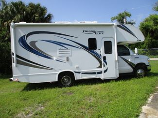 2018 Thor Thor Freedom Elite 22FE  city Florida  RV World of Hudson Inc  in Hudson, Florida
