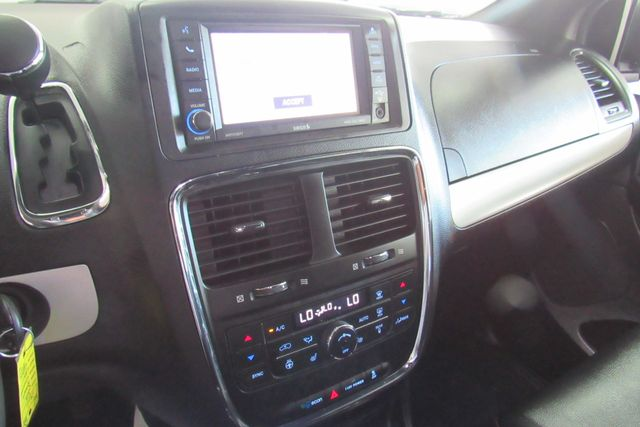 2018 Dodge Grand Caravan GT W/ NAVIGATION SYSTEM/ BACK UP CAM Chicago, Illinois 18