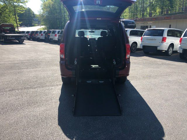 2018 Dodge Grand Caravan handicap wheelchair accessible van Dallas, Georgia 1