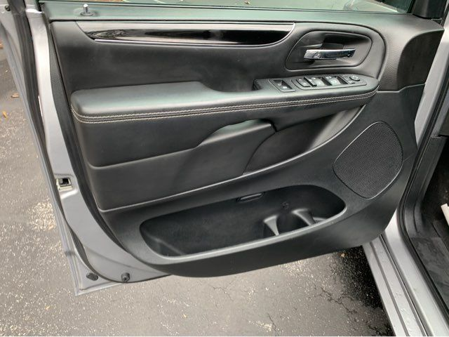 2018 Dodge Grand Caravan Handicap wheelchair accessible rear entry Dallas, Georgia 19