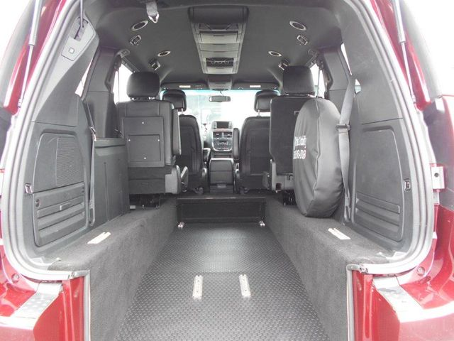 2018 Dodge Grand Caravan Gt Wheelchair Van Pinellas Park, Florida 4
