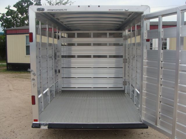 2018 Featherlite 8107 - 16 16' Livestock CONROE, TX 13