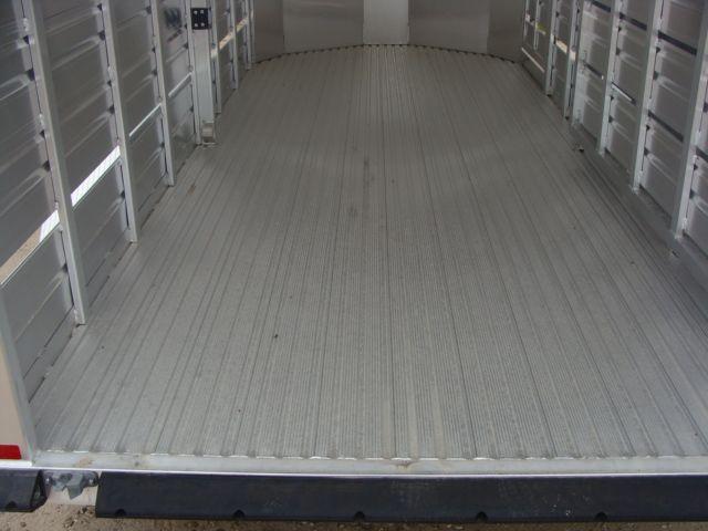 2018 Featherlite 8107 - 16 16' Livestock CONROE, TX 15