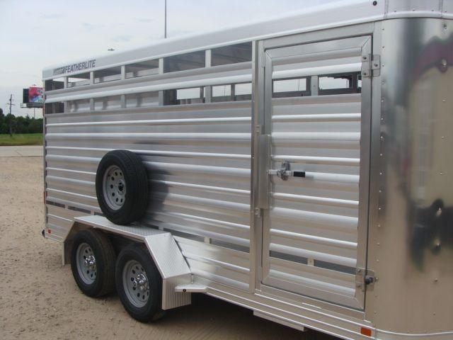 2018 Featherlite 8107 - 16 16' Livestock CONROE, TX 1