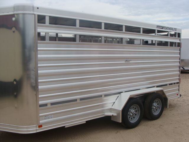 2018 Featherlite 8107 - 16 16' Livestock CONROE, TX 5