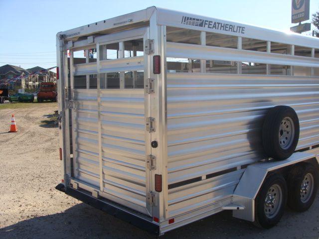 2018 Featherlite 8107 - 16 16' BP Livestock CONROE, TX 16
