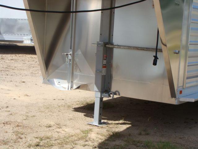 2018 Featherlite 8117 - 16 Livestock 16' Stock/ Cattle CONROE, TX 6