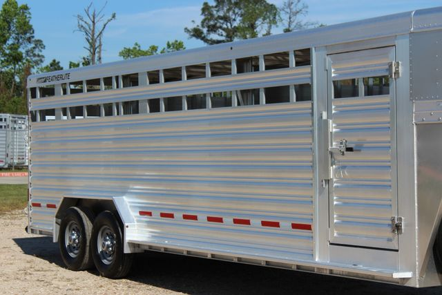 "2018 Featherlite 8127 24' - GN LIVESTOCK TRAILER 7'6"" WIDE - GN VENT CONROE, TX 1"