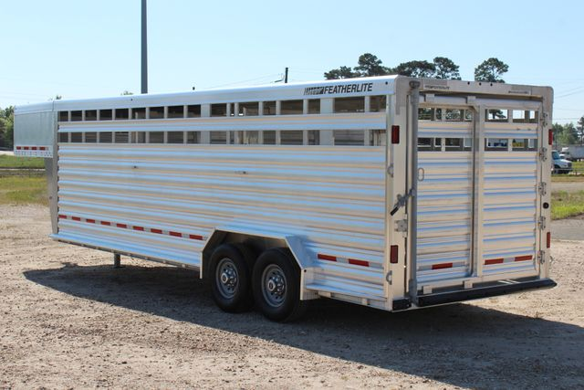 "2018 Featherlite 8127 24' - GN LIVESTOCK TRAILER 7'6"" WIDE - GN VENT CONROE, TX 10"