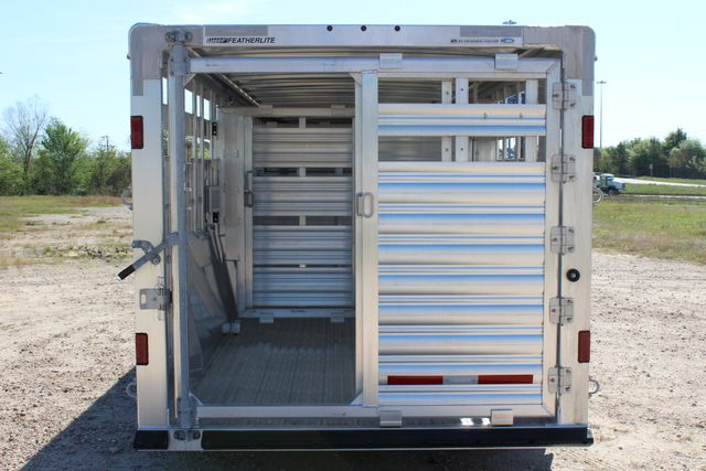 "2018 Featherlite 8127 24' - GN LIVESTOCK TRAILER 7'6"" WIDE - GN VENT CONROE, TX 15"