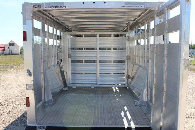 "2018 Featherlite 8127 24' - GN LIVESTOCK TRAILER 7'6"" WIDE - GN VENT CONROE, TX 17"