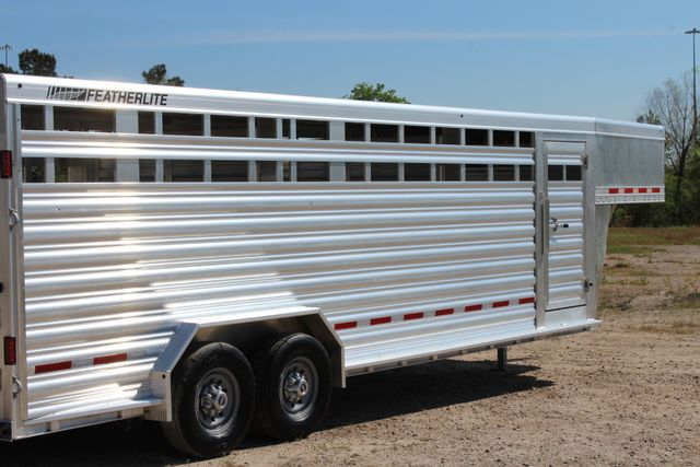 "2018 Featherlite 8127 24' - GN LIVESTOCK TRAILER 7'6"" WIDE - GN VENT CONROE, TX 30"