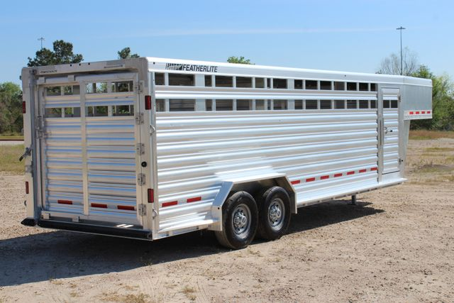 "2018 Featherlite 8127 24' - GN LIVESTOCK TRAILER 7'6"" WIDE - GN VENT CONROE, TX 32"