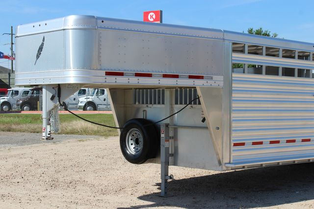 "2018 Featherlite 8127 24' - GN LIVESTOCK TRAILER 7'6"" WIDE - GN VENT CONROE, TX 6"