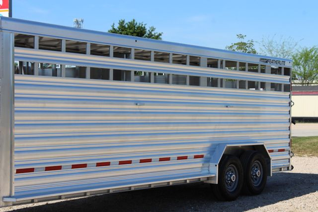 "2018 Featherlite 8127 24' - GN LIVESTOCK TRAILER 7'6"" WIDE - GN VENT CONROE, TX 7"