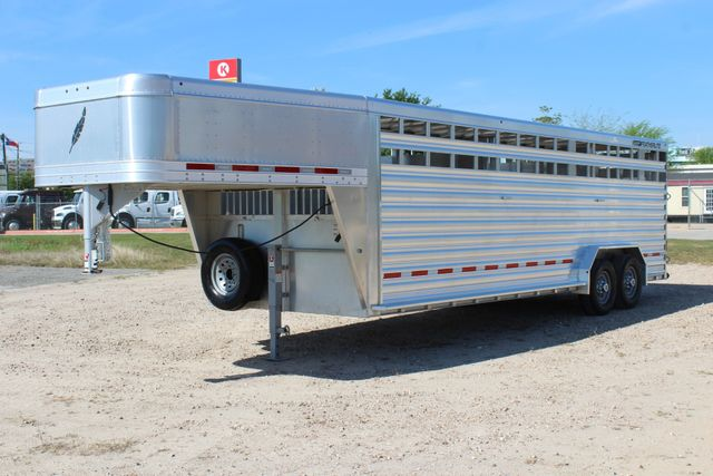 "2018 Featherlite 8127 24' - GN LIVESTOCK TRAILER 7'6"" WIDE - GN VENT CONROE, TX 8"