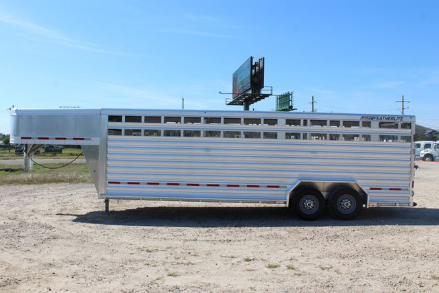 "2018 Featherlite 8127 24' - GN LIVESTOCK TRAILER 7'6"" WIDE - GN VENT CONROE, TX 9"