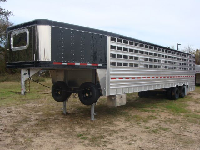 2018 Featherlite 8271 - 36 GROUND LOAD LIVESTOCK CONROE, TX 9