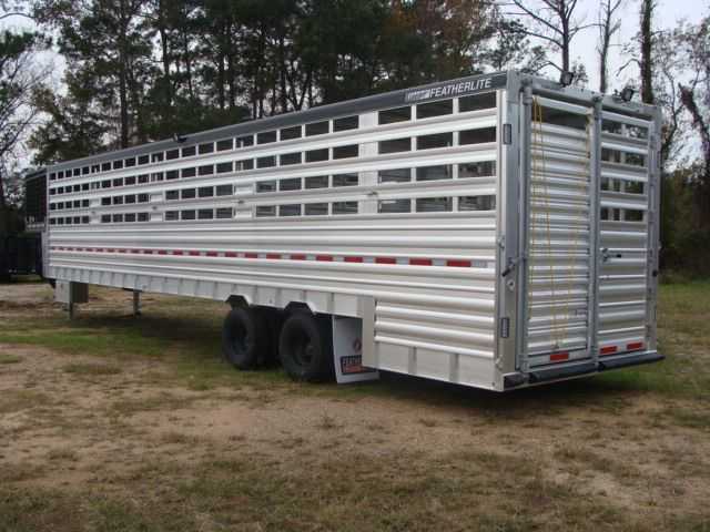 2018 Featherlite 8271 - 36 GROUND LOAD LIVESTOCK CONROE, TX 11