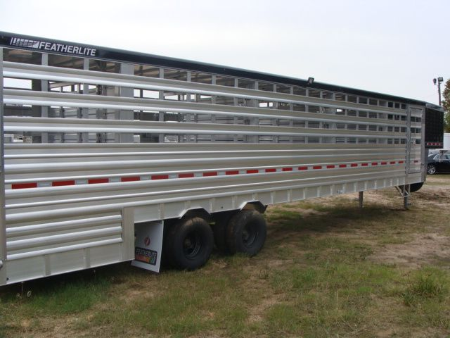 2018 Featherlite 8271 - 36 GROUND LOAD LIVESTOCK CONROE, TX 31