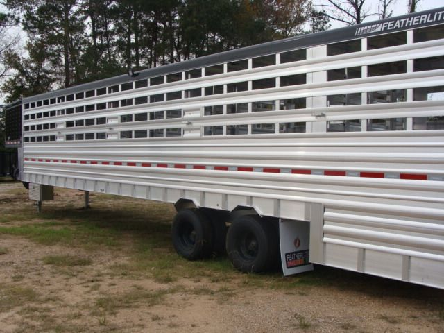 2018 Featherlite 8271 - 36 GROUND LOAD LIVESTOCK CONROE, TX 12