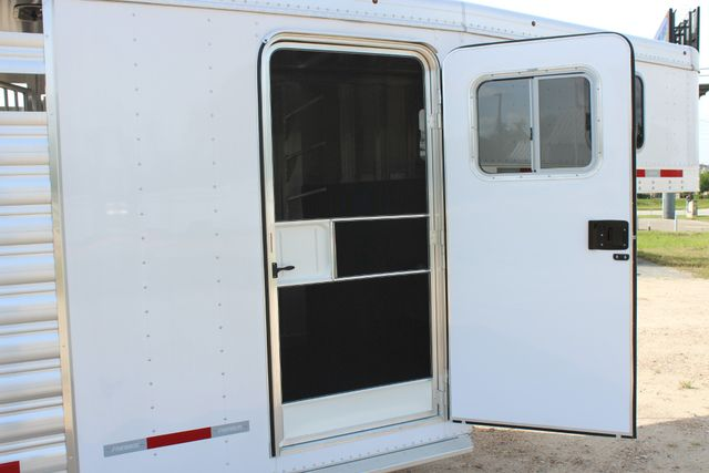 2018 Featherlite 8413 - STOCK/ COMBO Combo with Horse Slant Divider 4H CONROE, TX 29