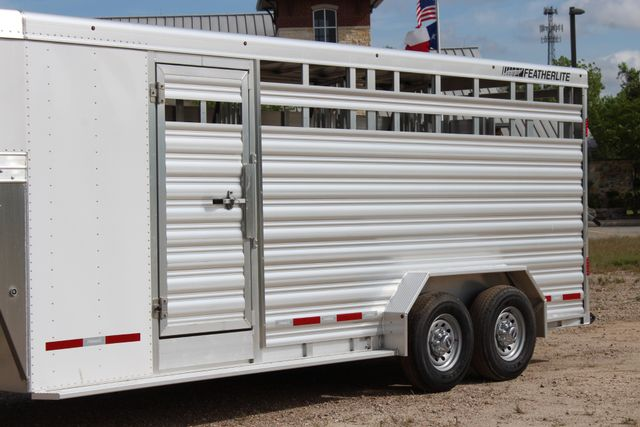 2018 Featherlite 8413 - STOCK/ COMBO Combo with Horse Slant Divider 4H CONROE, TX 6