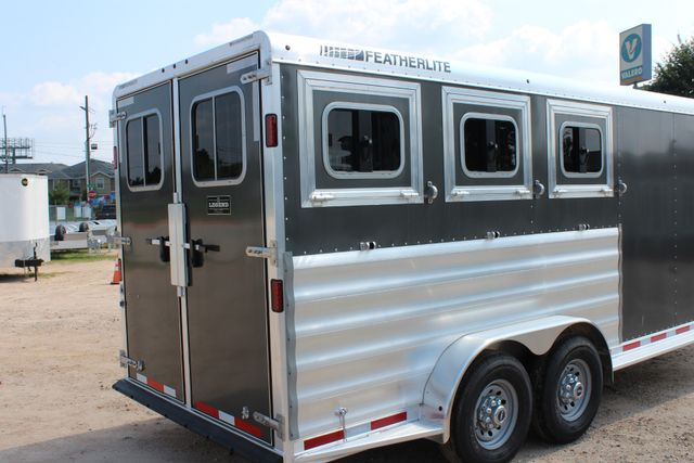 2018 Featherlite 8542 - 3H 3 HORSE GN LEGEND PACKAGE - DROP DOORS ON HIP CONROE, TX 19