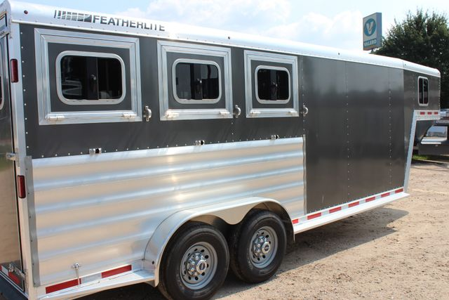 2018 Featherlite 8542 - 3H 3 HORSE GN LEGEND PACKAGE - DROP DOORS ON HIP CONROE, TX 21