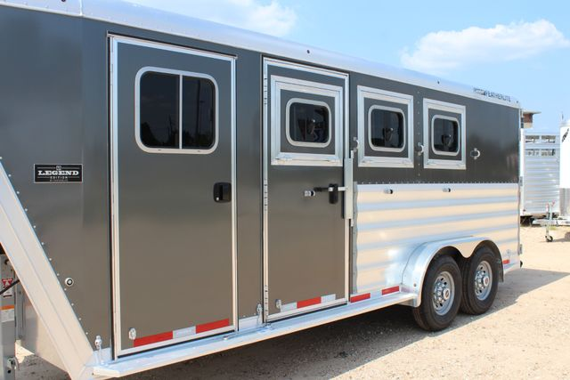 2018 Featherlite 8542 - 3H 3 HORSE GN LEGEND PACKAGE - DROP DOORS ON HIP CONROE, TX 5